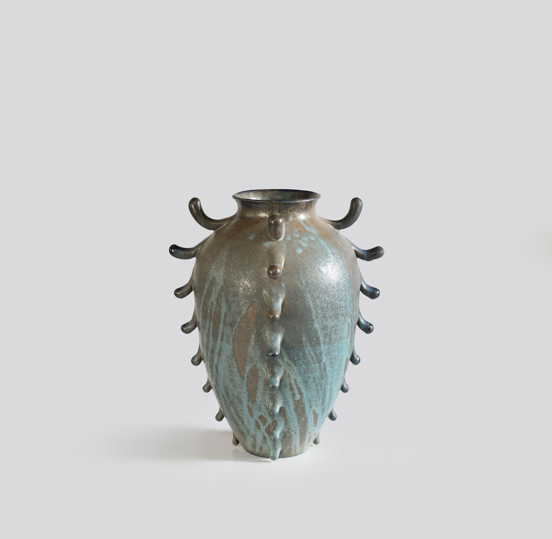 Large Frilled Urn, 2017 (View #1)