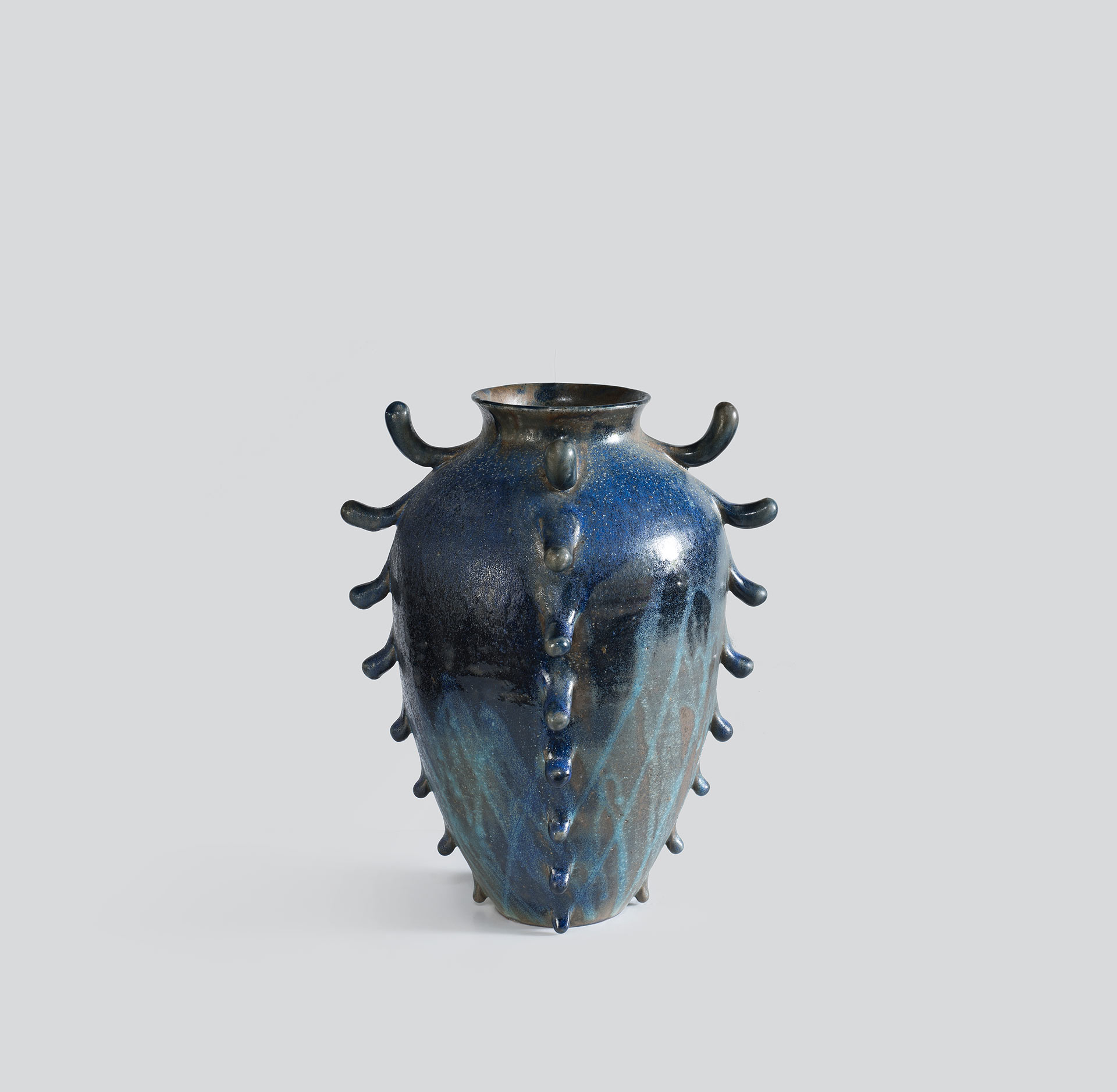 Large Frilled Urn, 2017 (View #3)